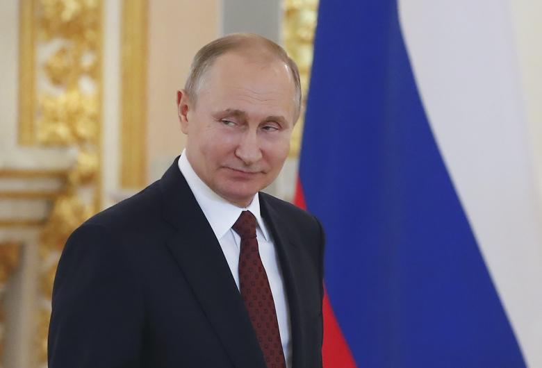 Загод Путин заработал неменее 18 млн руб.