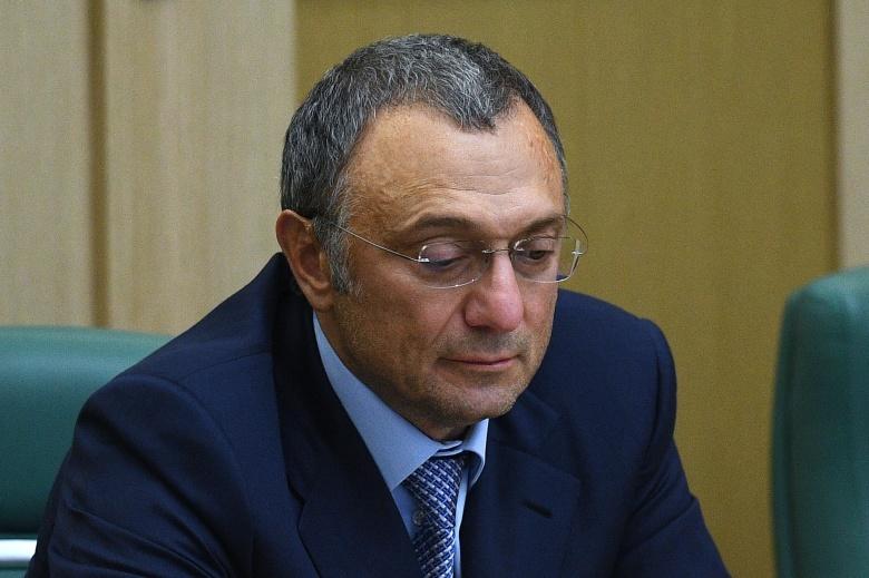 ВоФранции предъявлены обвинения женщине-риэлтору, сотрудничавшей ссенатором Керимовым