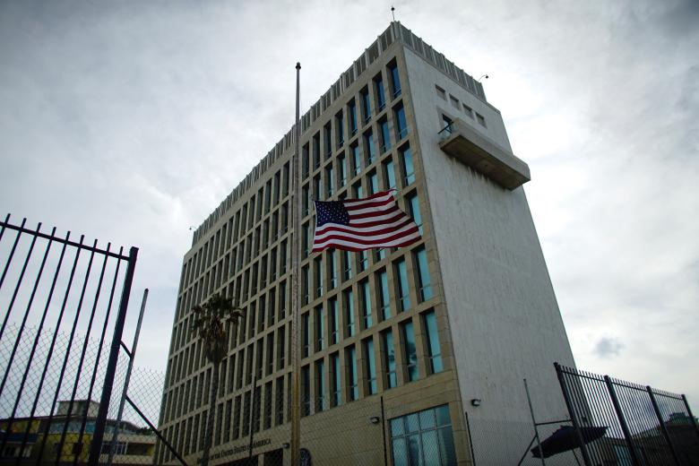Медики  отыскали  уамериканских дипломатов следы «акустической атаки» Кубы