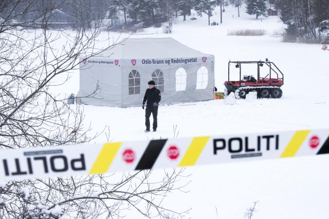 Поиски тела Анны-Элизабет Фалкевик Хаген полицией и дайверами. Фото: Terje Pedersen / EPA / TASS ERJE PEDERSEN