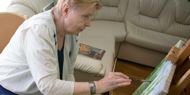 Фотография на официальном сайте Москвы под обращением Сергея Собянина к пенсионерам. Фото: mos.ru