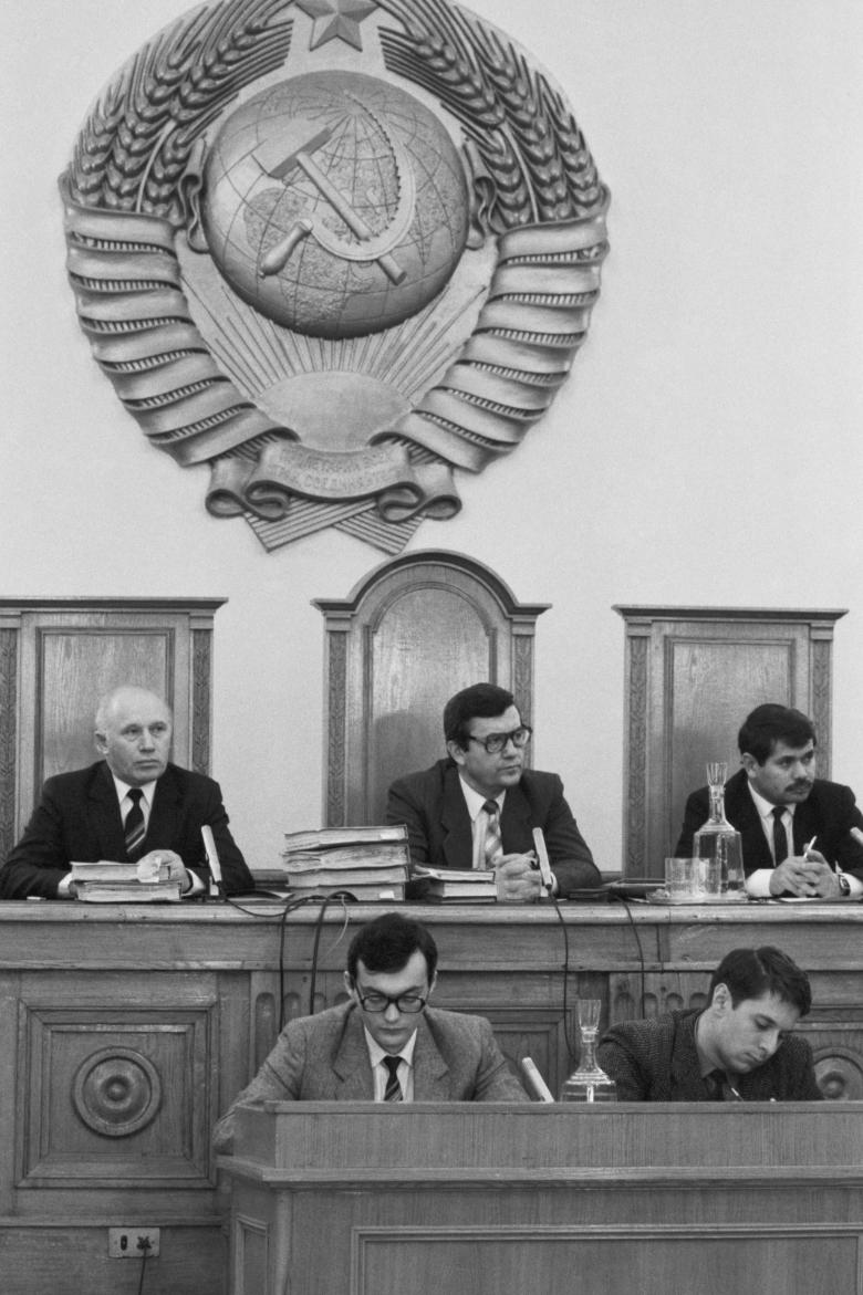 Умел брать – сумей дать. Как была устроена коррупция в Советском Союзе