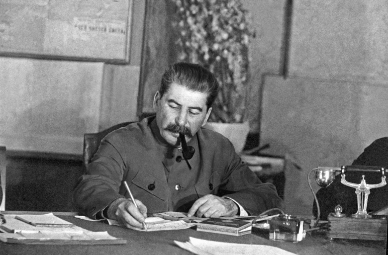 purges ordered by stalin halted russias advancement Stalin's great turn and russian in order to overthrow this shift fostered the ideologies and circumstances that would then allow the purges that.