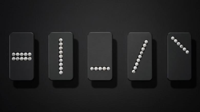 Устройство Substitute Phone скаменными бусинами несомненно поможет одолеть зависимость от телефонов