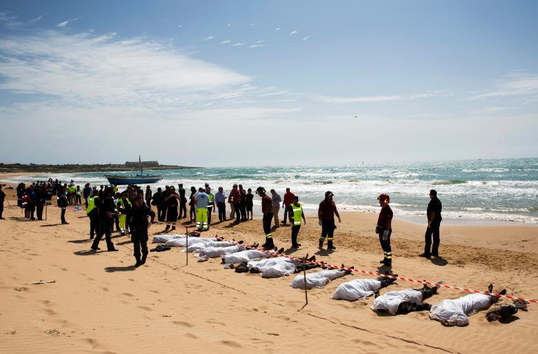 О том, как исчезли из фокуса внимания мировых СМИ тонущие в море ливийские беженцы..