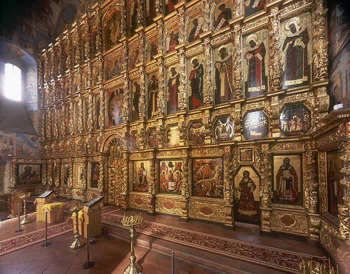 Иконостас Троицкого собора Свято-Троицкого Ипатьевского монастыря. Кострома. XVII век.